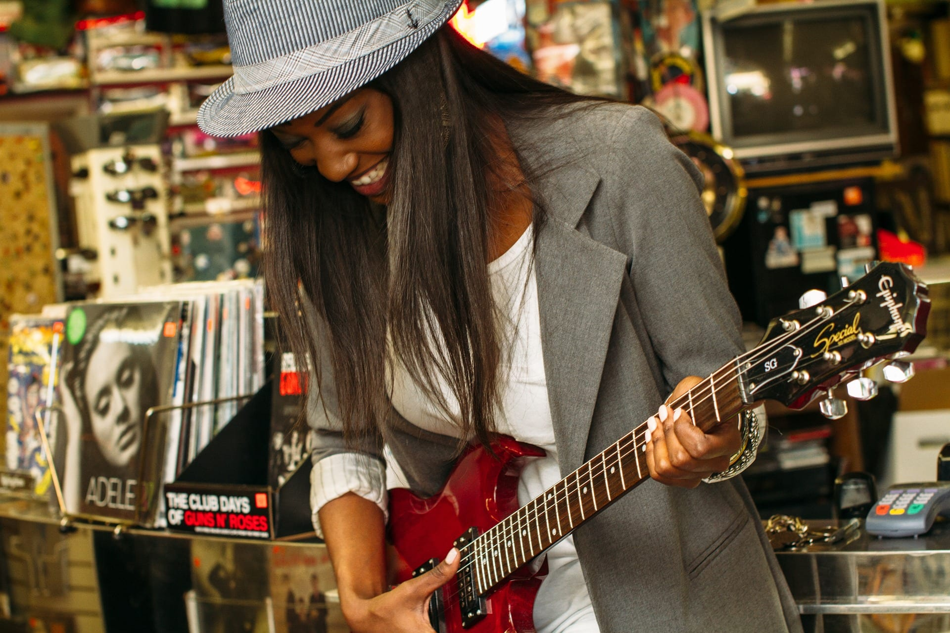 free guitar lessons at local music stores