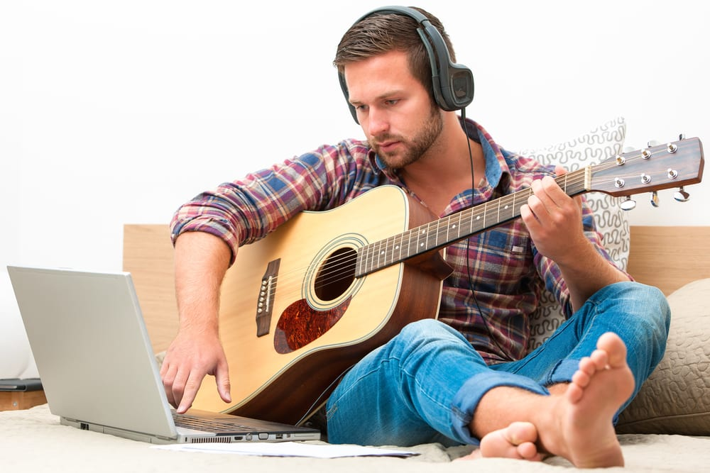 free guitar lessons online