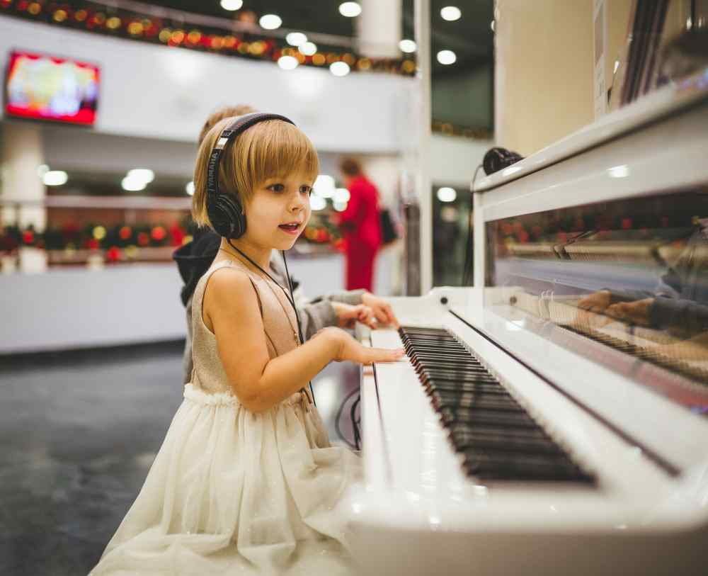 5 Kid-Friendly Piano Songs with Letters + Video Tutorials
