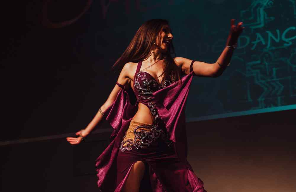 How to Belly Dance for Beginners